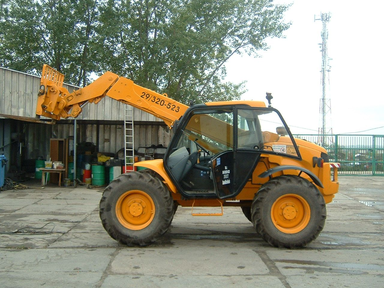 emelés - New Holland LM 630 425/A