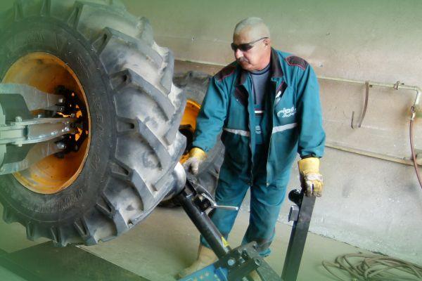 Tehergépjármű kerékjavítás