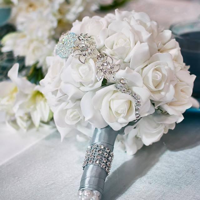 Menyasszonyi csodacsokor _ Virágkonferanszié